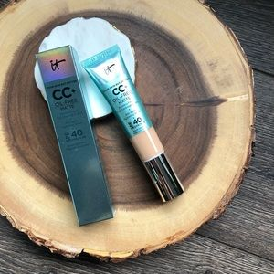 It Cosmetics CC cream - matte Light Medium